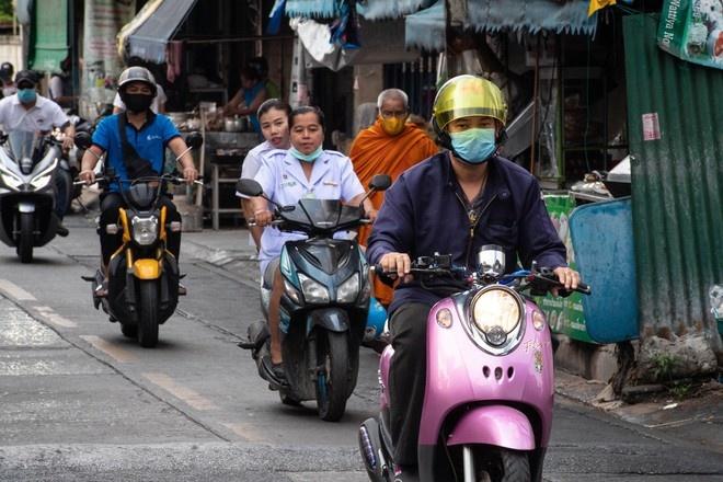 В Таиланде введут комендантский час