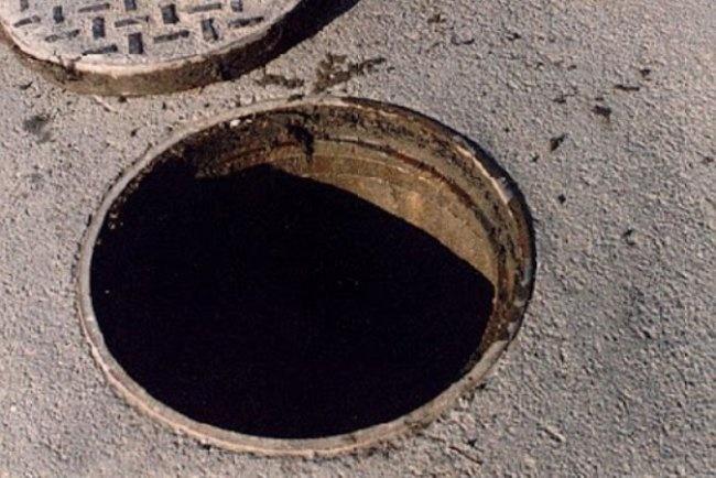 В Хорезме трое мужчин погибли, отравившись токсичным газом в канализационном колодце