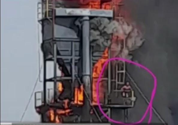 В одном из цехов в Навоийской области произошел крупный пожар