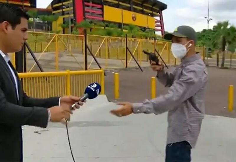 Telejurnalistlarni jonli efir payti o'g'ri urib ketdi (video)