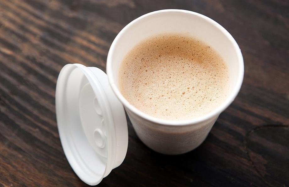 Пассажирский самолет в Ирландии совершил экстренную посадку из-за пролитого пилотом кофе