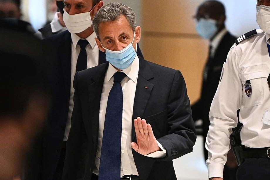 Ниҳоят, Франция собиқ президентига ҳукм ўқилди