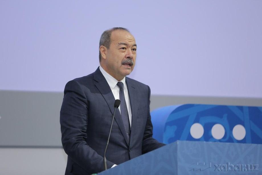 Abdulla Aripov «Bir million dasturchi» loyihasini ochib berdi (foto)