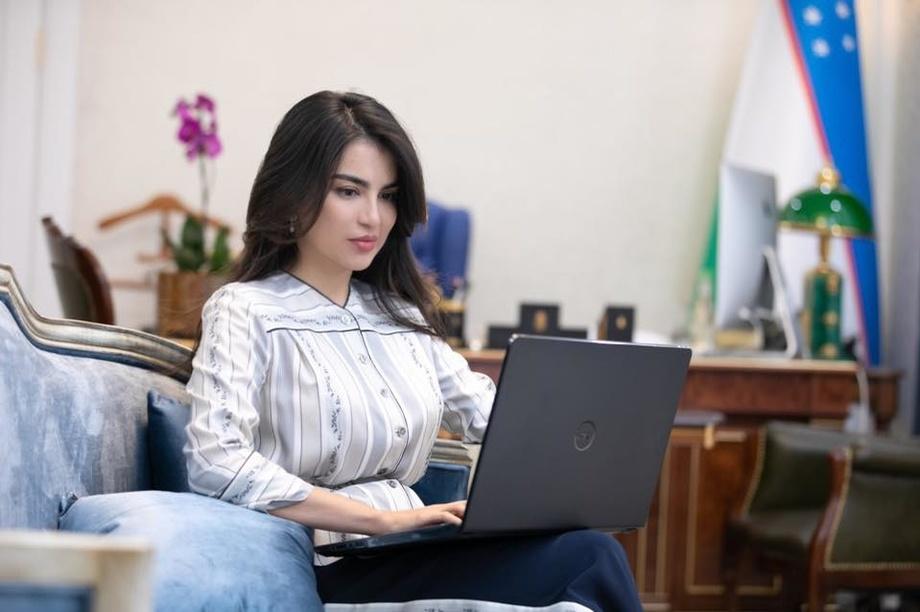 Саида Мирзиёева: «Предлагается приравнять блогеров к журналистам в плане наделения правами»