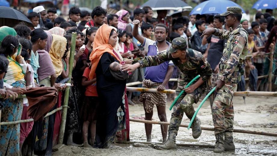 Мьянмада «Reuters» агентлигининг икки нафар журналисти етти йилга қамалди