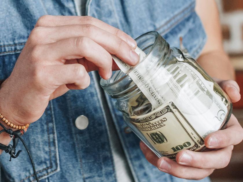 Siz dollarni qayerda saqlaysiz?