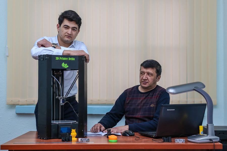 Собиқ давлат хизматчиси қандай қилиб 3D-принтерлар ишлаб чиқарувчи стартапга асос солгани ҳақида