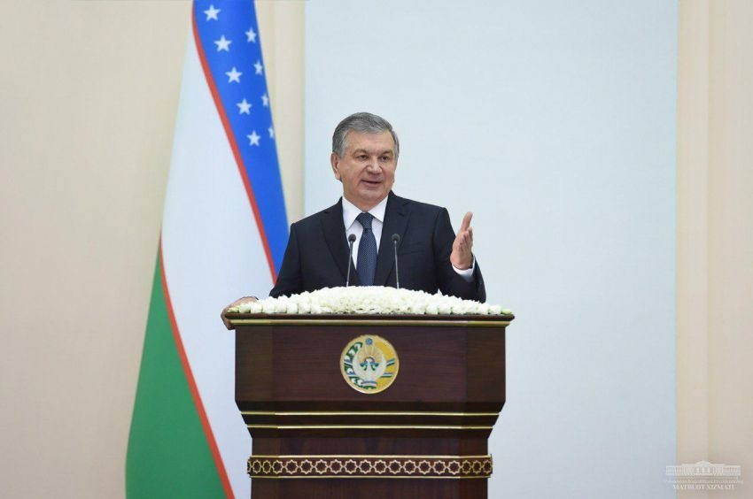 Фарғонада Шавкат Мирзиёев иштирокида йиғилиш бошланди