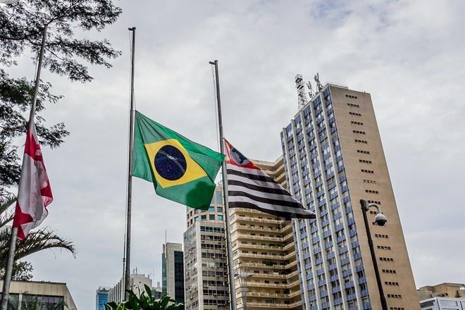 В Бразилии за сутки выявили более 15 тысяч заражённых коронавирусом