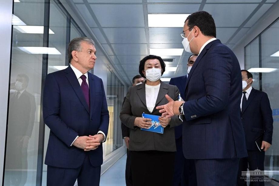 Президент фармацевтика корхонаси билан танишди