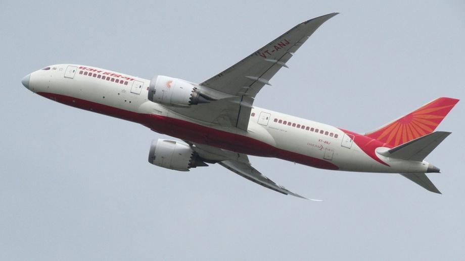 «Коронарейс»: «Air India» самолёти Ўзбекистон осмонидан бурилиб кетди