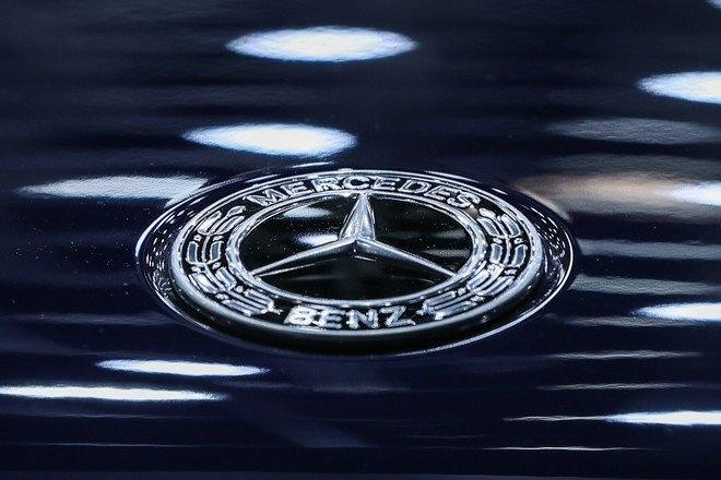 В ФРГ экологи захотели наказать BMW и Mercedes-Benz
