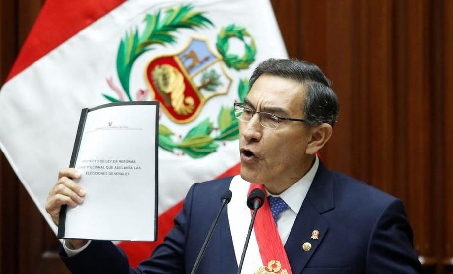 Siyosiy inqiroz: Peru prezidenti va parlament bir-birini hukumatdan chetlatdi