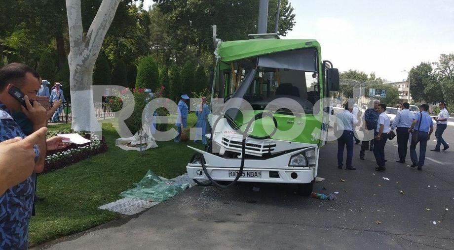 Тошкентда автобус ЙТҲга учради (фото)