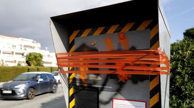 «Жёлтые жилеты» сломали 60% дорожных камер