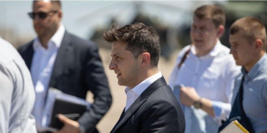 Оппозиция напомнила Зеленскому о судьбе Януковича перед саммитом