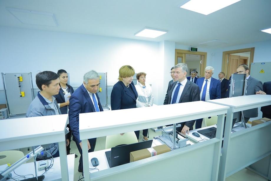 Россия делегацияси «МИФИ» илмий тадқиқот ядро университети» филиалига ташриф буюрди