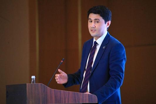 Akmal Burhonov: «Deputatlar o'rgangan muammolar hukumat va tibbiyot sohasi mas'ullari uchun o'gaymi?»