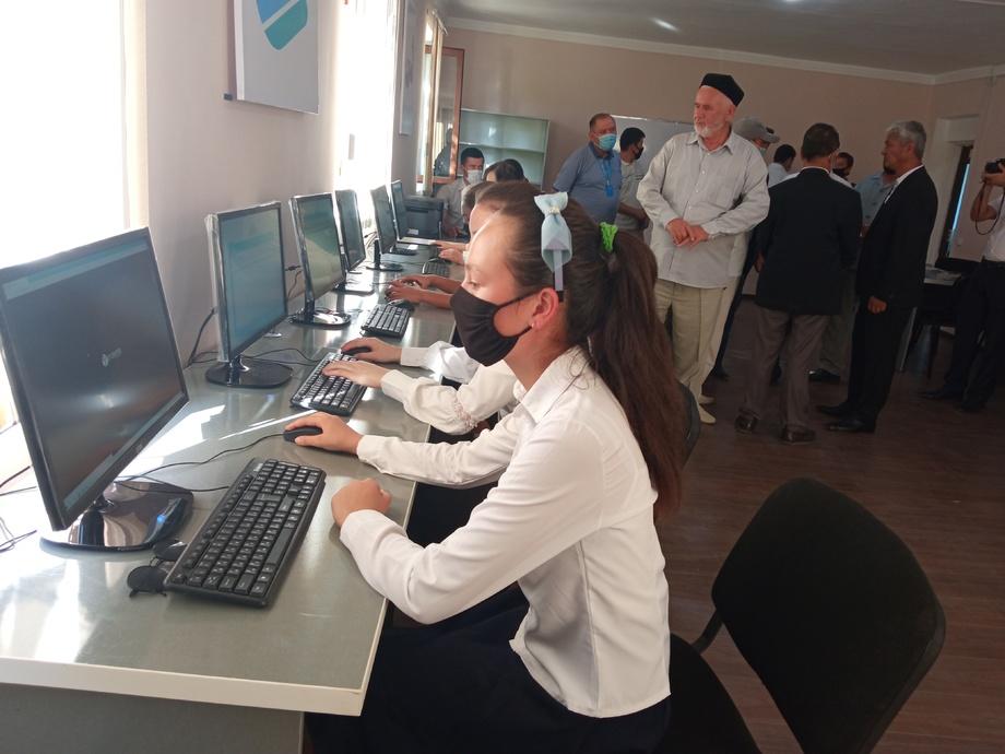Sharof Rashidov tumanida Raqamli texnologiyalar o'quv markazi ochildi (foto)